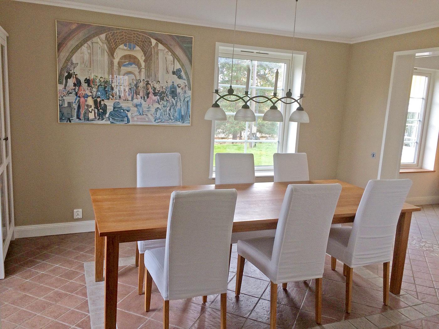 Renovering, målning av villa invändigt i Bålsta.